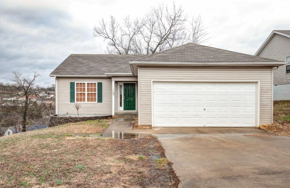 109 Mystic Ave Hollister, MO 65672