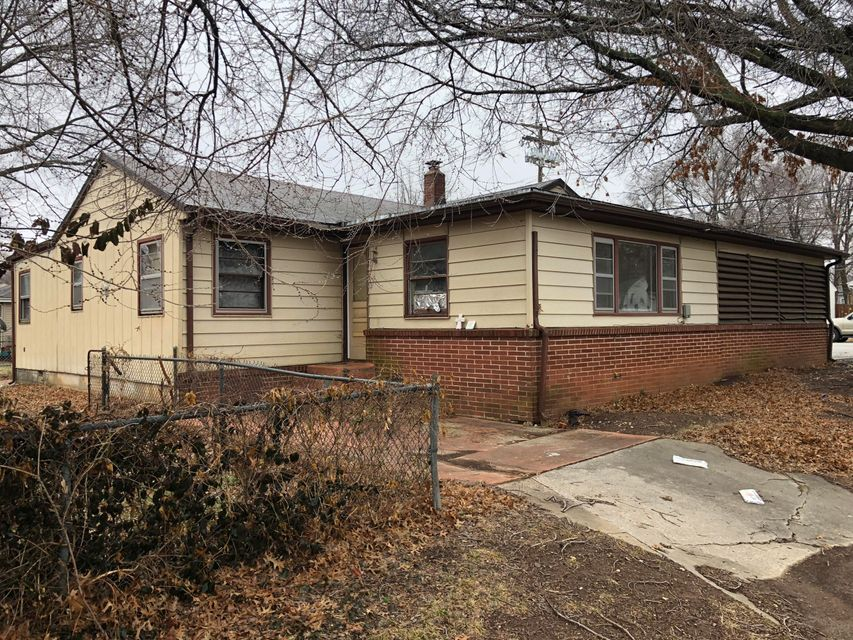 201 East Cherokee Street Springfield, MO 65807