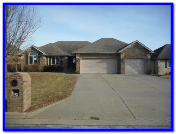620  Maplewood Hills Drive Nixa, MO 65714