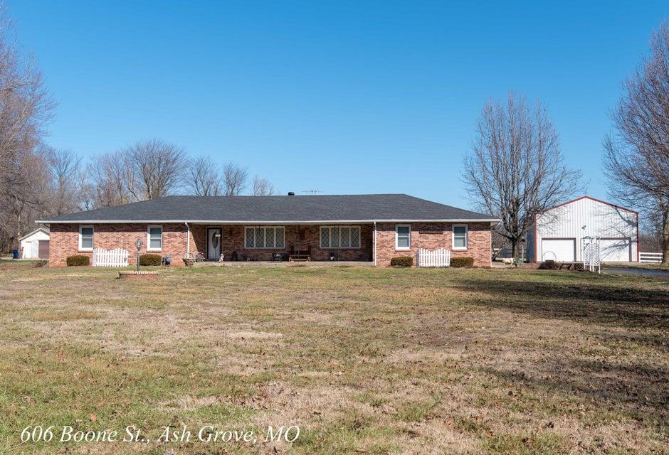 606 West Boone Street Ash Grove, MO 65604