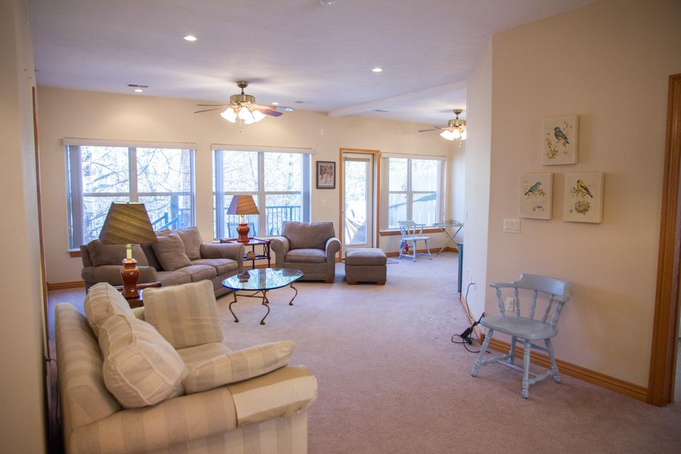 275 Lower Emerald Bay Circle #2 Hollister, MO 65672