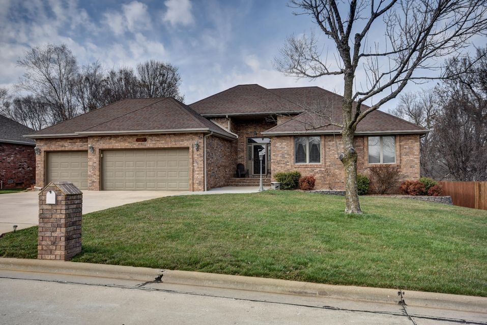 3625 West Edgewood Court Springfield, MO 65807