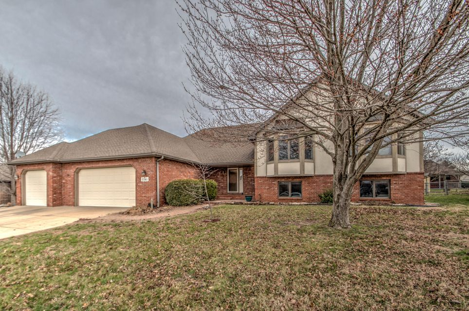 3341 West Birchwood Court Springfield, MO 65807