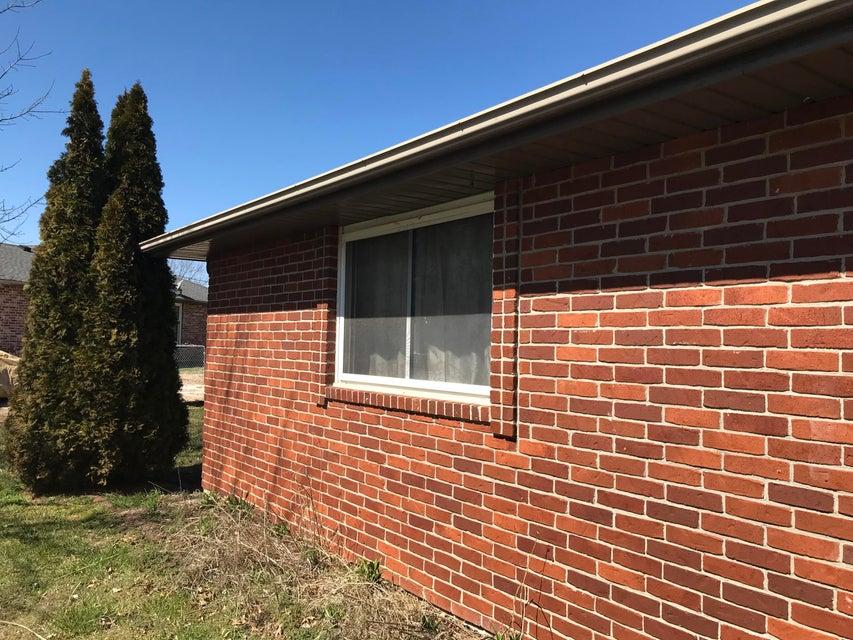 2715 West Cardinal Street Springfield, MO 65810