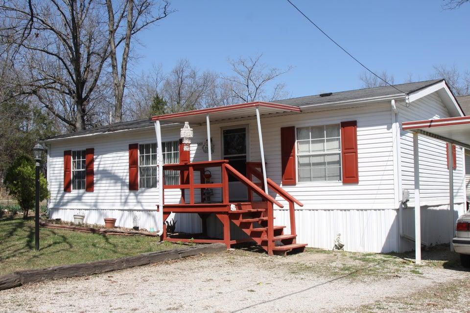 1001  Sycamore Road Merriam Woods, MO 65740