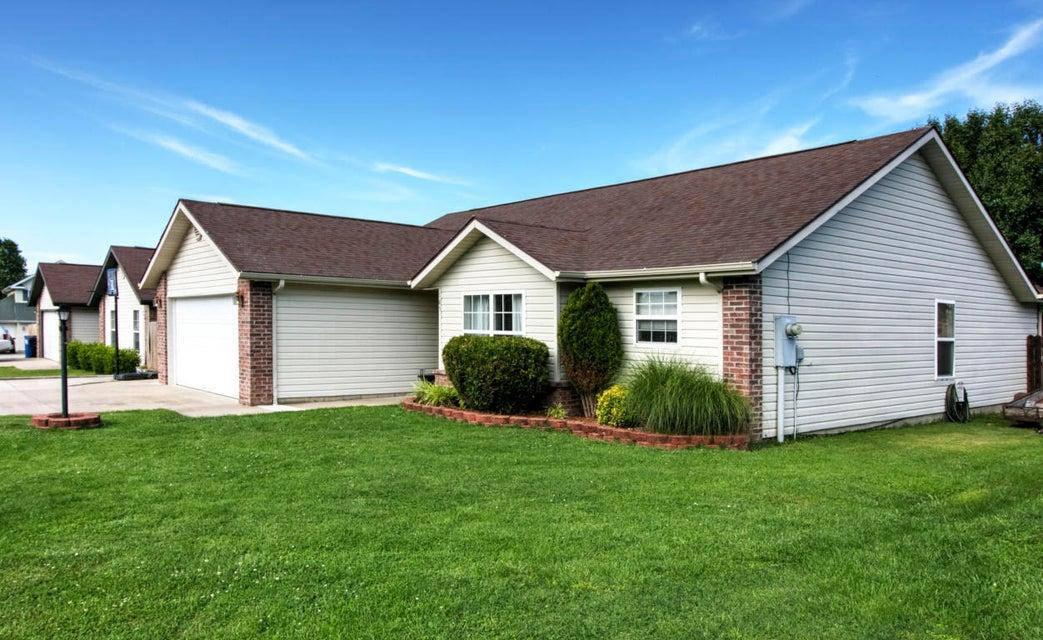 185  Pickett Ridge Kirbyville, MO 65679