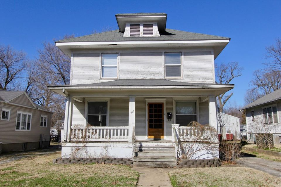 1867 North Grant Avenue Springfield, MO 65803