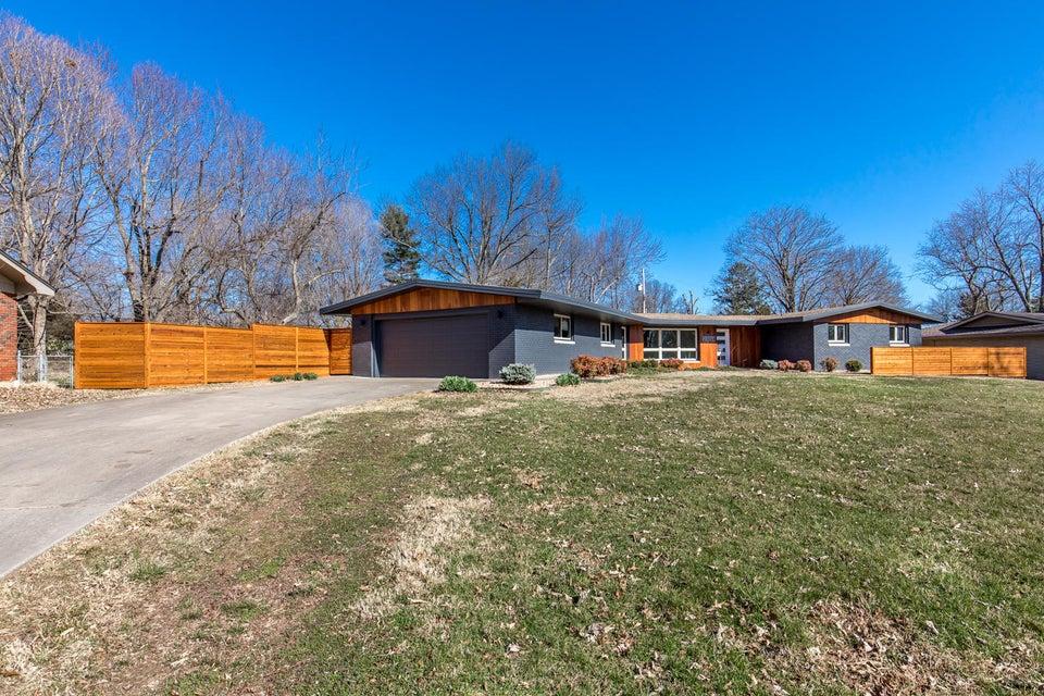 2104 South Cedarbrook Avenue Springfield, MO 65804