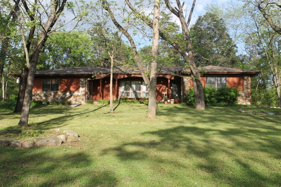 125 Country Hills Drive Branson, MO 65616