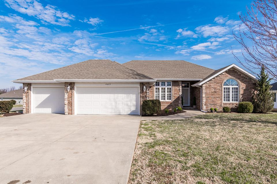 4625 West Curtice Drive Battlefield, MO 65619