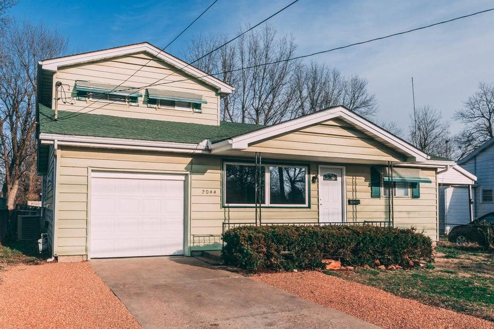 2044 North Delaware Avenue Springfield, MO 65803
