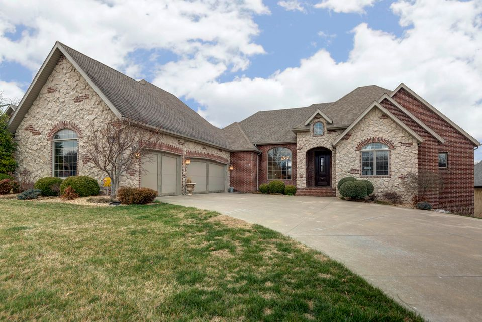 5343 South Westwood Avenue Springfield, MO 65810