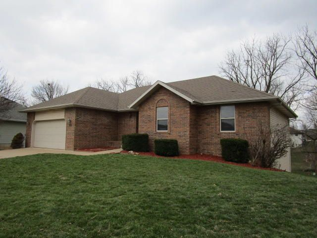3725 West Vincent Drive Springfield, MO 65810