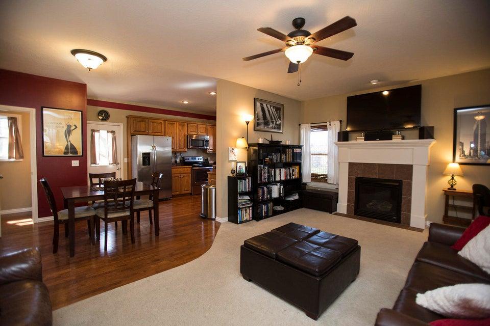 704 East Kimberly Street Ozark, MO 65721