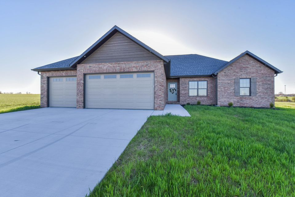 121  Southern Fields Circle Clever, MO 65631