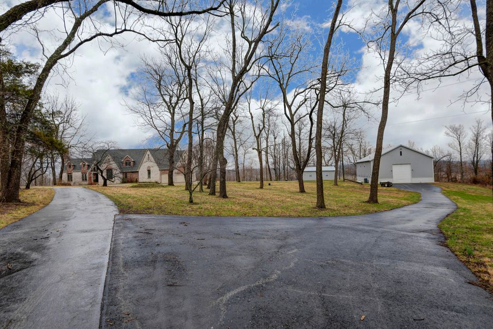 6529 North Farm Road 171 Springfield, MO 65803