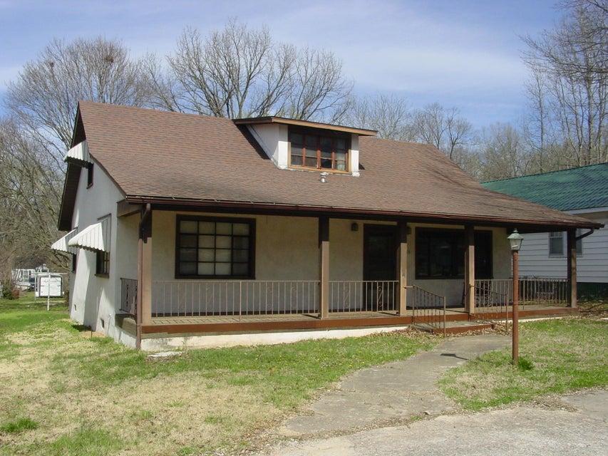 306  Main St. Crane, MO 65633