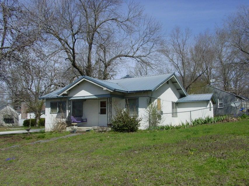 403 West Maud Avenue Crane, MO 65633