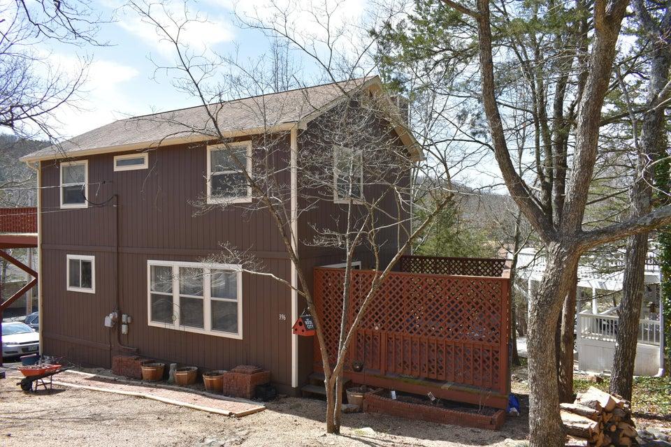 396  Lakewood Road Branson, MO 65616