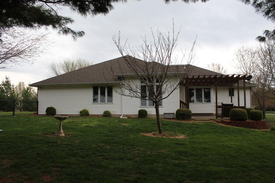 1757 East Lakecrest Drive Ozark, MO 65721