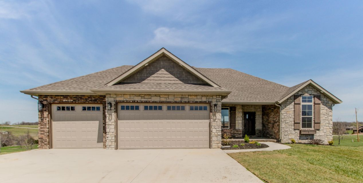 7511 West Persimmon Court Willard, MO 65781