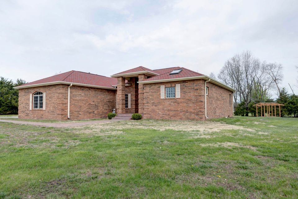 4421 East Farm Rd 64 Fair Grove, MO 65648