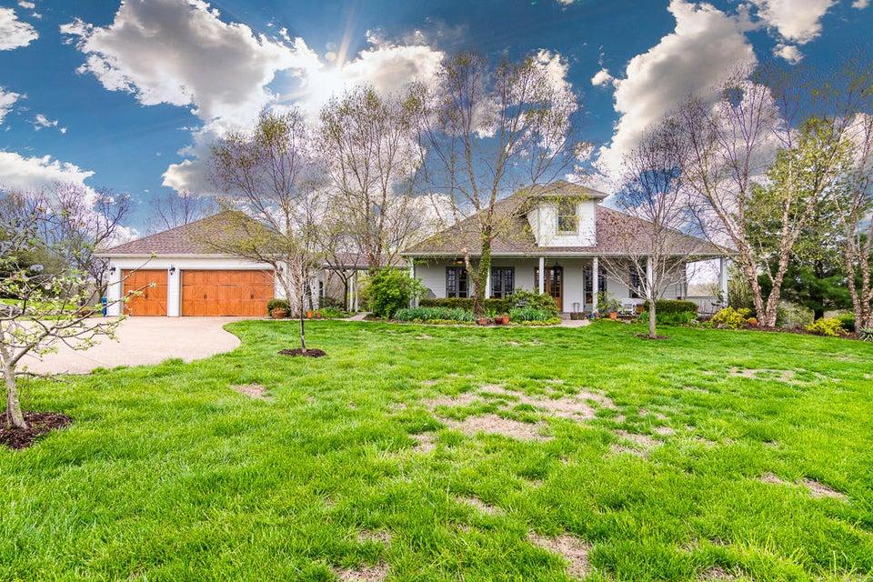 760 Hidden Springs Lane Reeds Spring, MO 65737