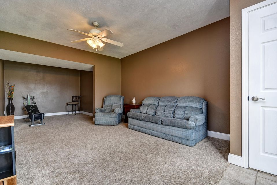 3303 North 30TH Street Ozark, MO 65721