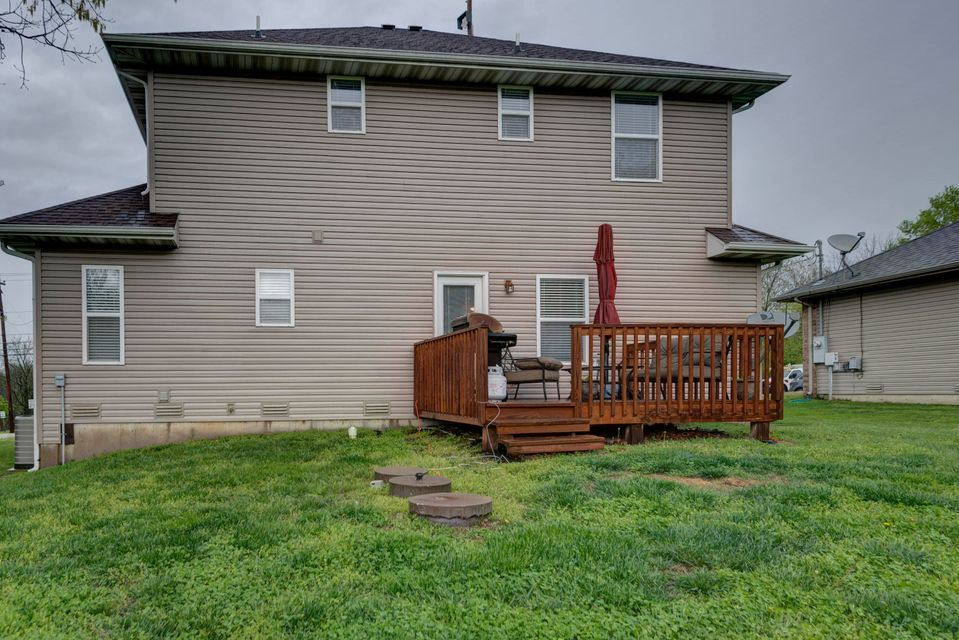 4836 East Farm Road 136 Springfield, MO 65809