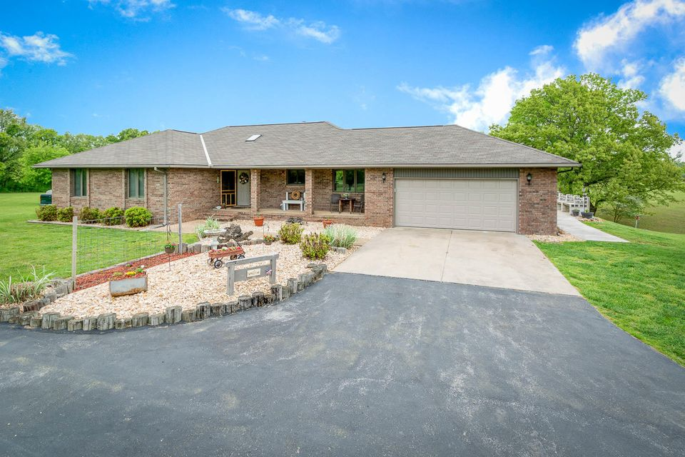 321 Country View Road Highlandville, MO 65669