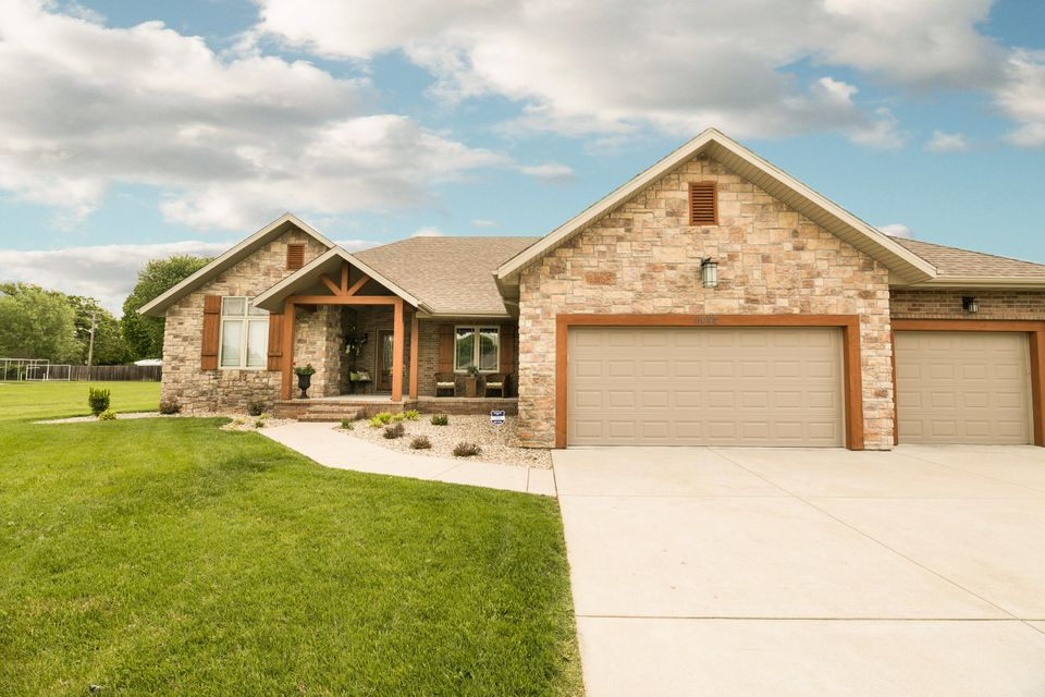 5022 South Prairie View Court Battlefield, MO 65619