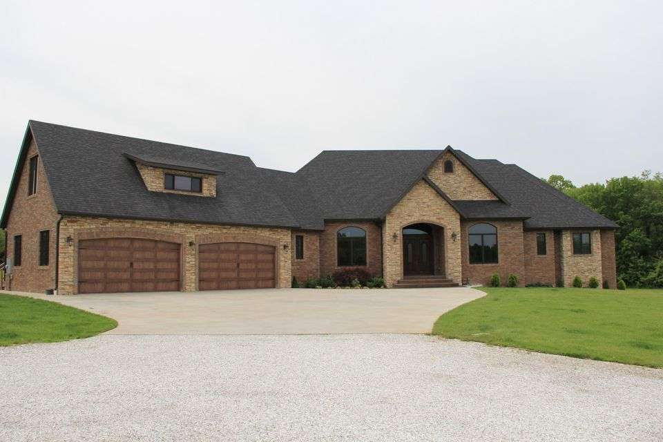 2600 East Southernview Road Ozark, MO 65721