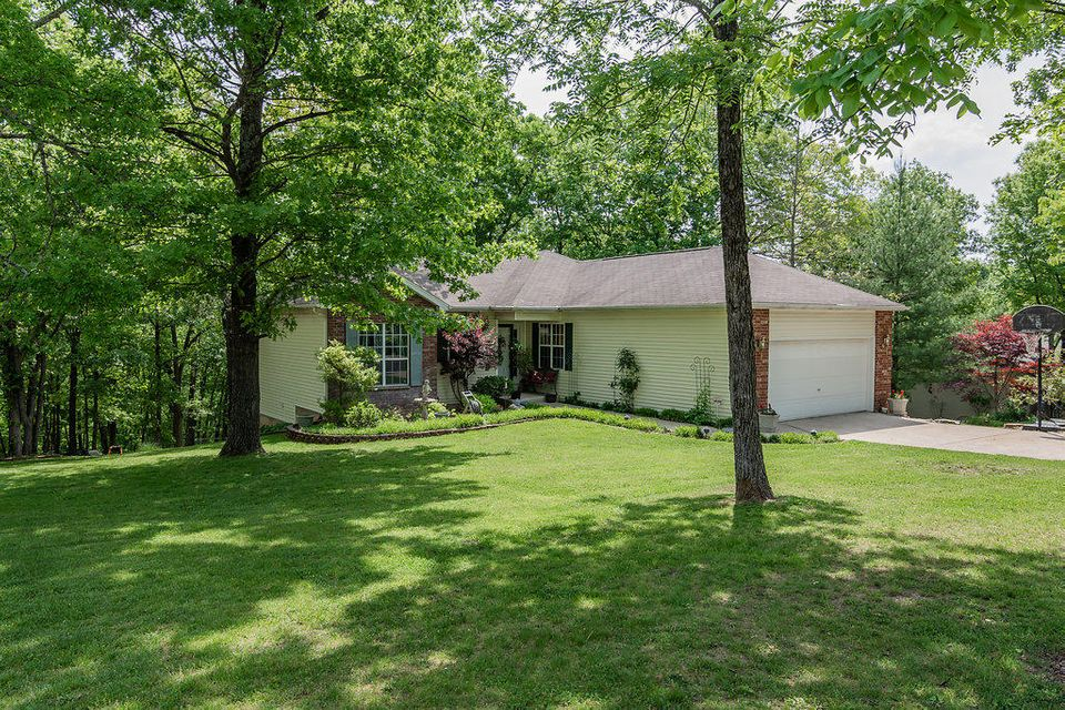 335 Meadow Ridge Branson, MO 65616