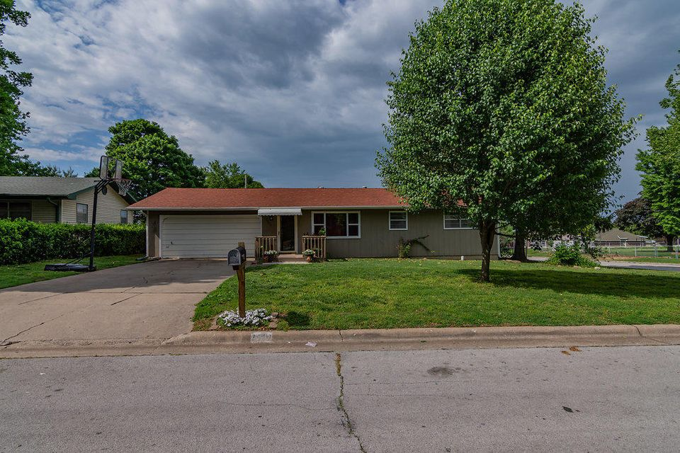 2807 West Chicago Street Springfield, MO 65803
