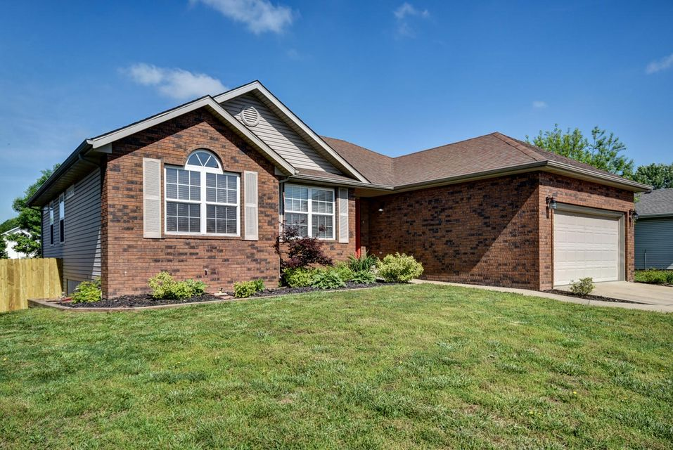 5341 South Tanager Avenue Battlefield, MO 65619