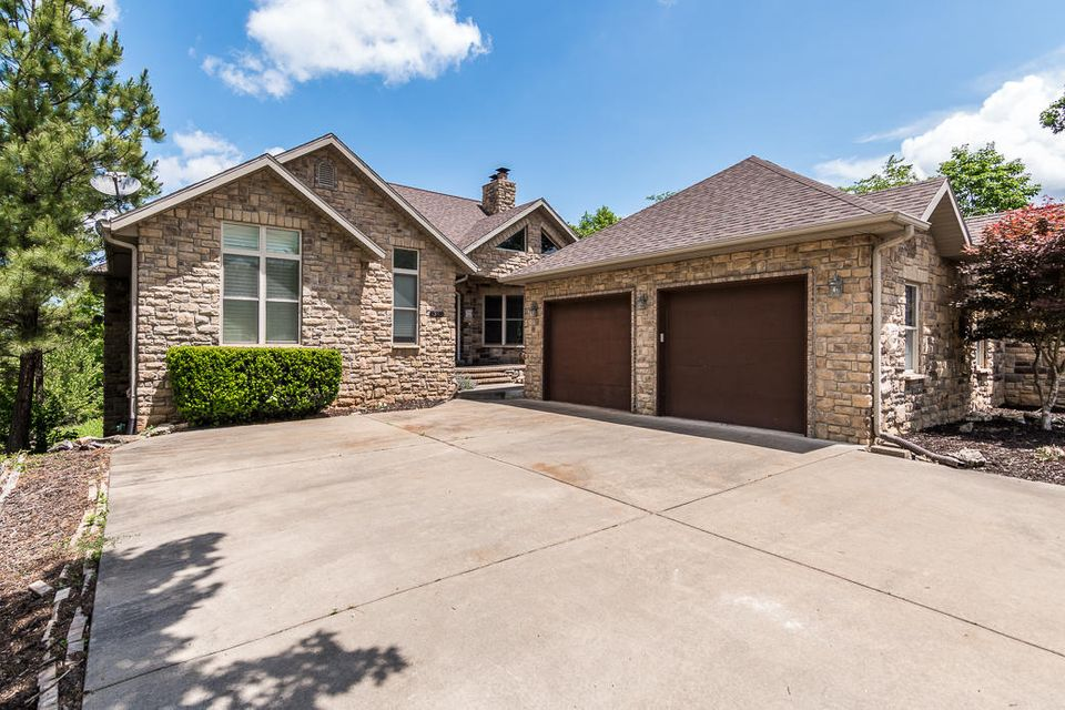 1345 Oakwood Drive Hollister, MO 65672