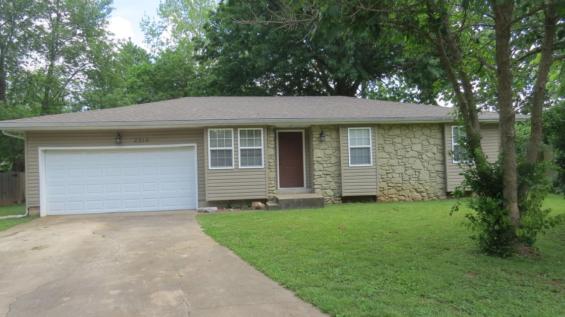 2914 South Lancelot Court Springfield, MO 65807