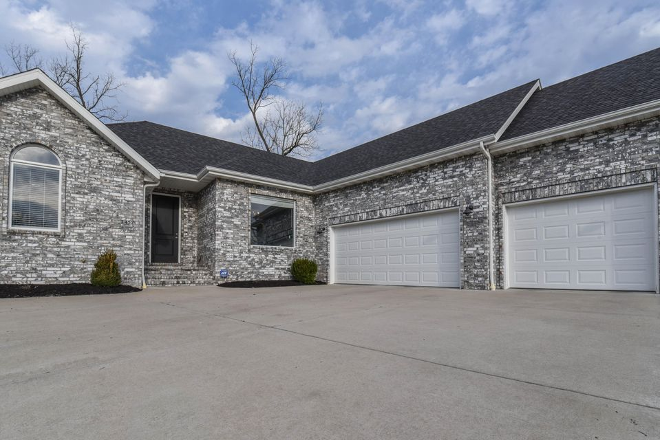 2457 East German Ivy Springfield, MO 65804
