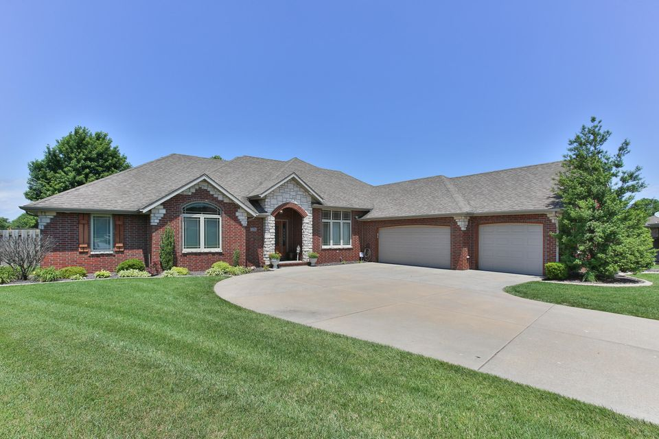 4857 South Krisi Court Springfield, MO 65810