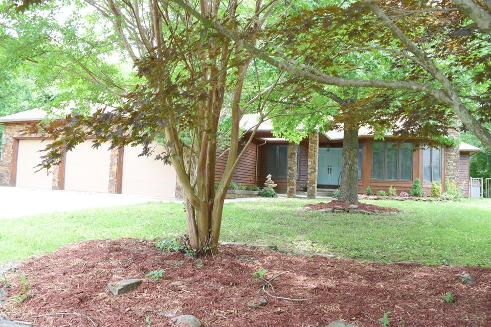 476 Foggy River Road Hollister, MO 65672