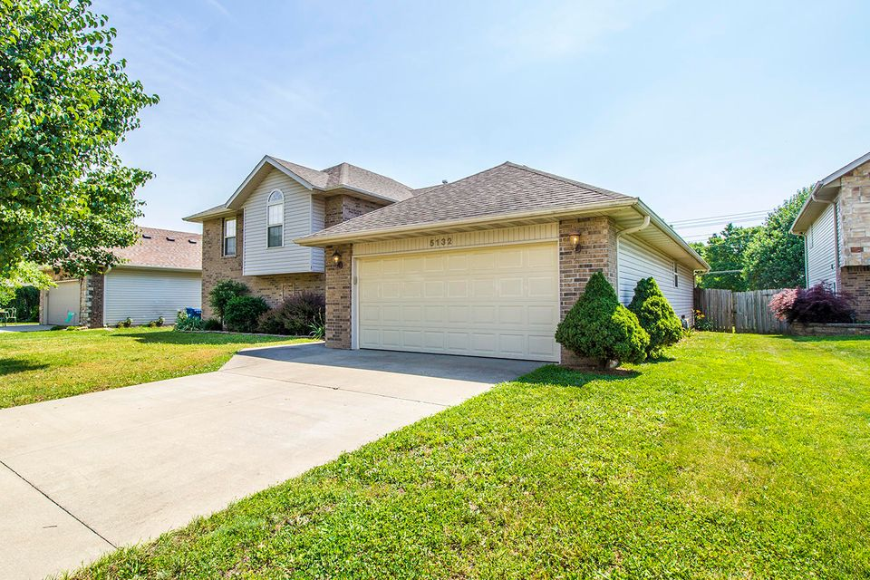 5132 Ashwood Avenue Battlefield, MO 65619