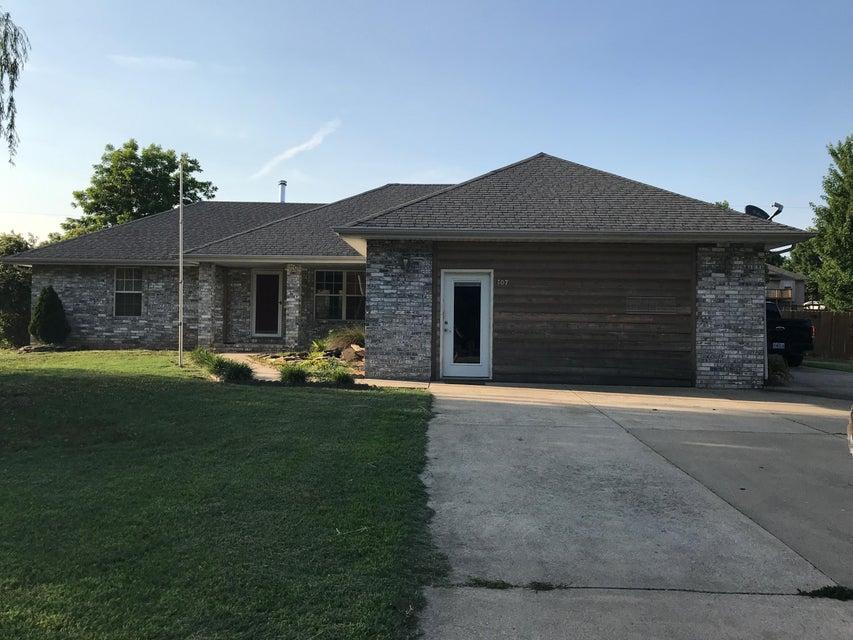 107 West Hughes Road Willard, MO 65781