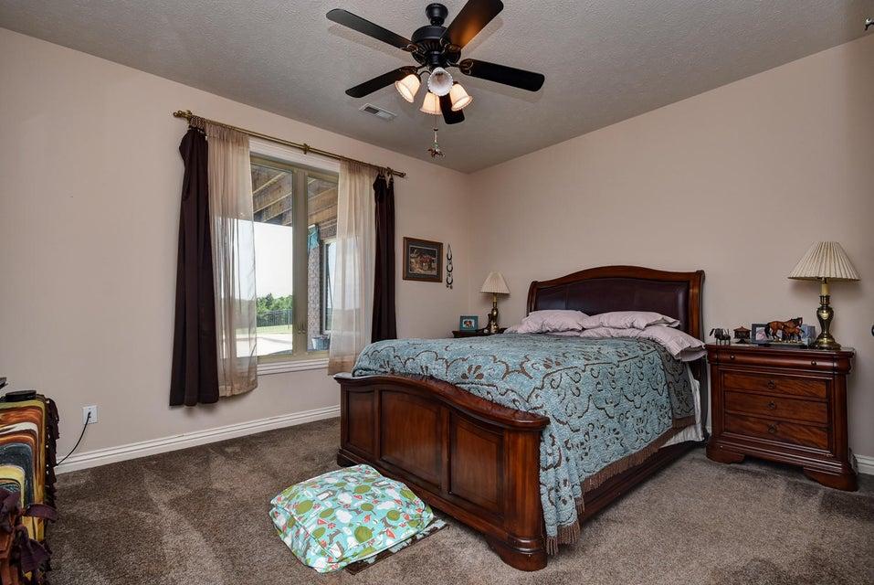 2070 River Wood Drive Nixa, MO 65714