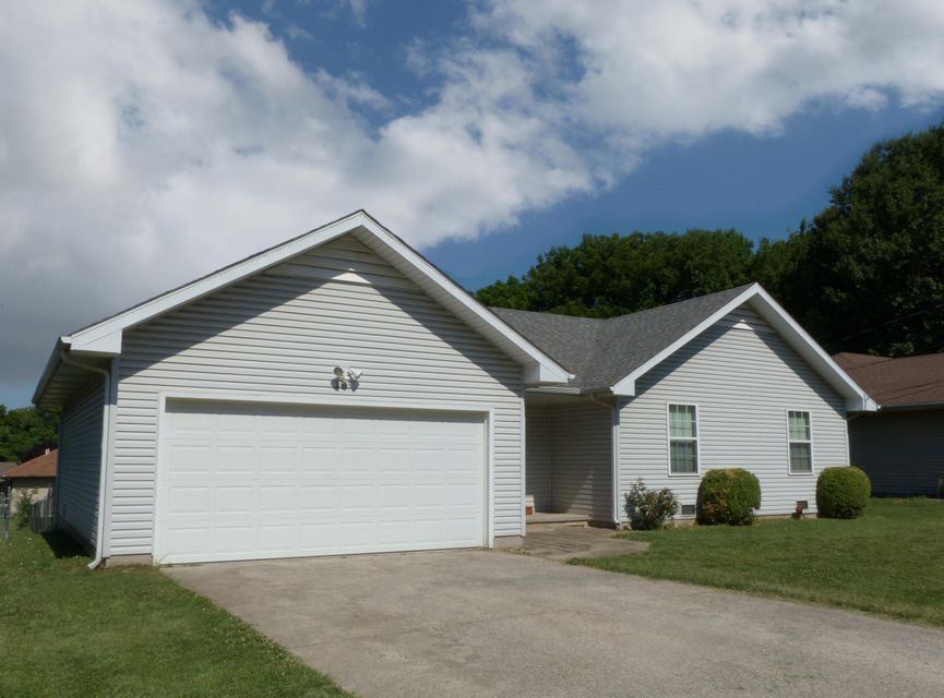 2813 North Summit Avenue Springfield, MO 65803
