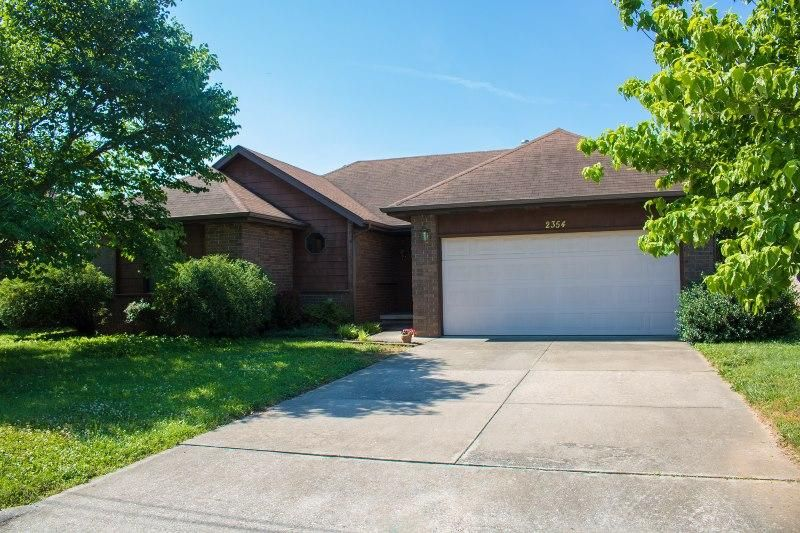 2354 East Anderson Street Springfield, MO 65802