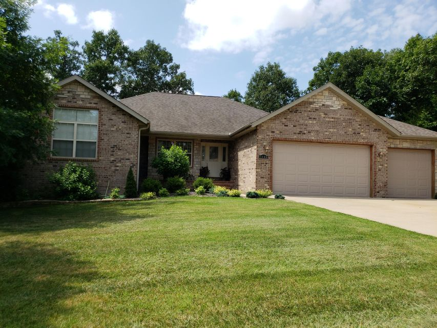 4488 East Lonesome Oak Lane Springfield, MO 65803