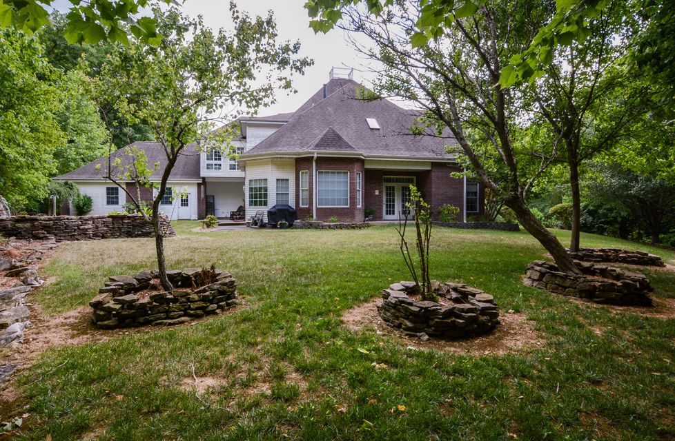 715 Foggy River Road Hollister, MO 65672
