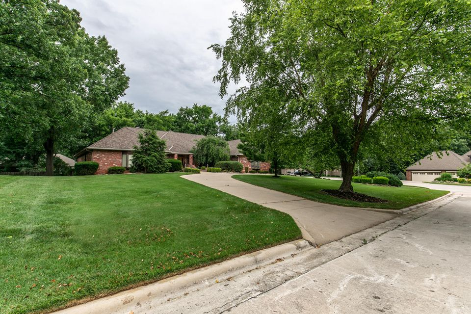 5145 South Aleshire Court Springfield, MO 65804