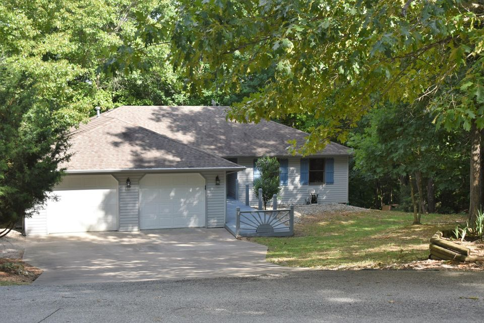 166 Queensberry Road Branson West, MO 65737
