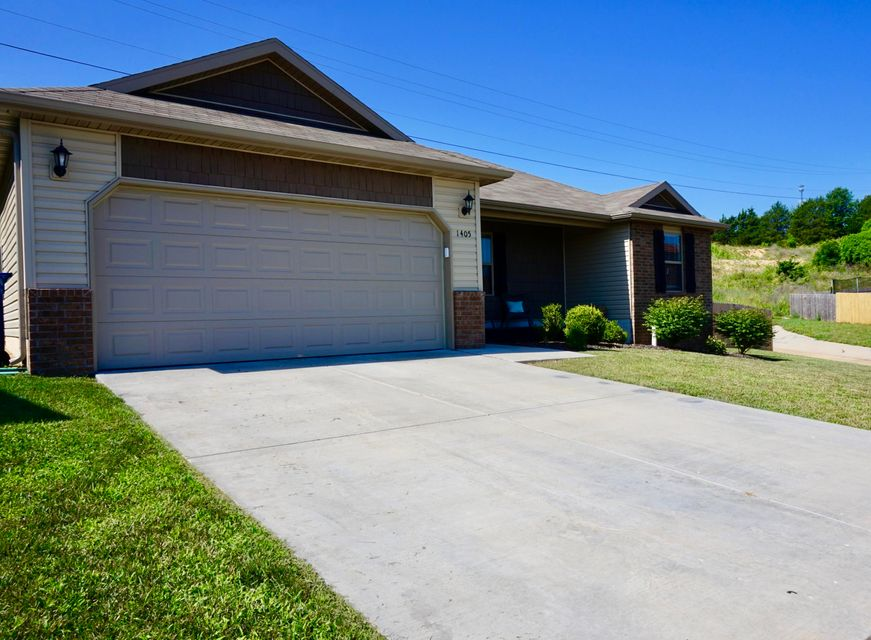 1405 South Minim Court Ozark, MO 65721
